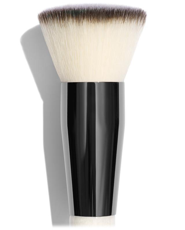 Buff and Blur powder brush CHANTECAILLE