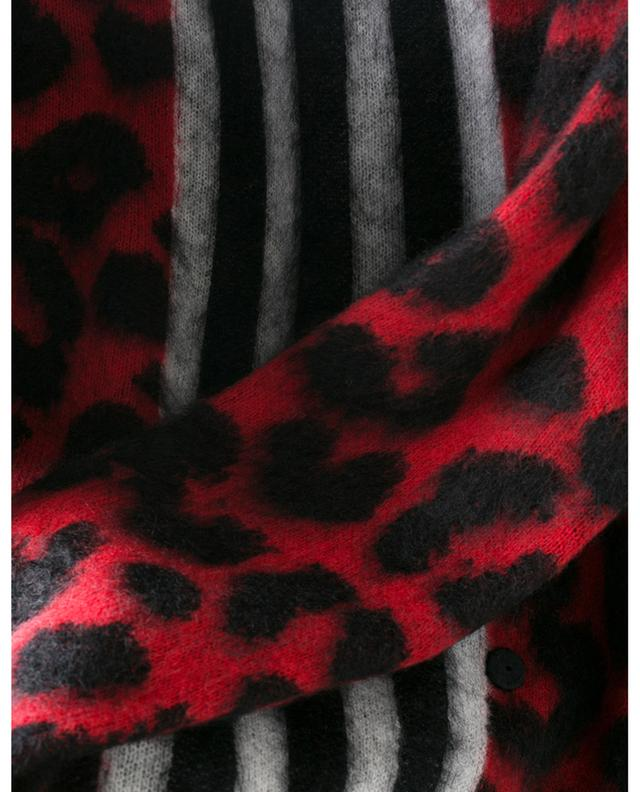 Pull en laine et mohair motif léopard et rayures à boutonner N°21