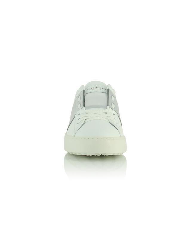 Baskets basses à lacets en cuir blanc et argenté Open VALENTINO