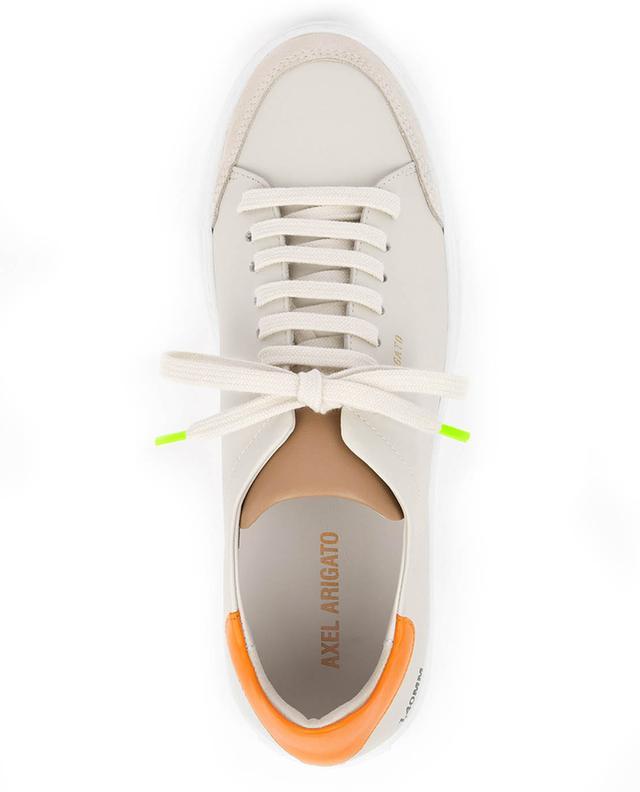 Baskets en cuir blanc crème et orange Clean 90 Triple AXEL ARIGATO