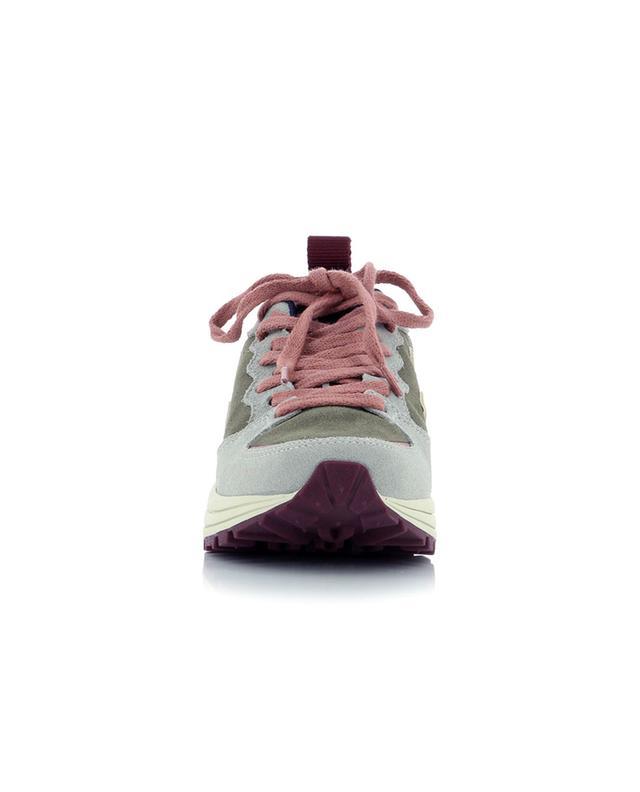 Baskets plates à lacets en daim Venturi VEJA