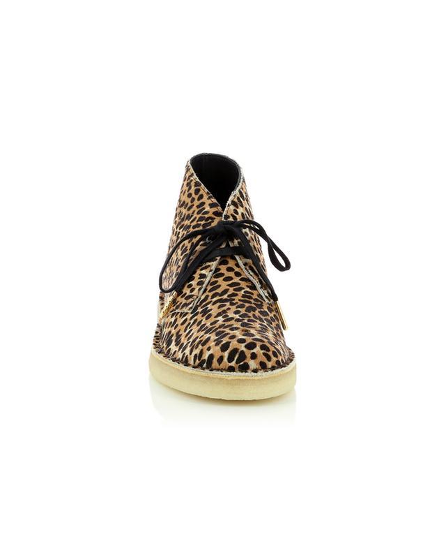 Bottines en cuir poulain imprimé léopard Desert Boot CLARKS