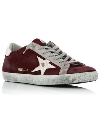 Rote Wildledersneakers mit weissem Stern Superstar GOLDEN GOOSE