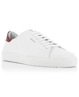 Weisse Ledersneakers mit dunkelroten Details Clean 90 AXEL ARIGATO