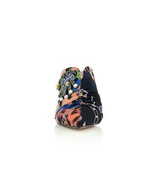 Pantoletten mit Absatz aus Stoff mit Tuchprint und Brosche Bella 75 KURT GEIGER LONDON