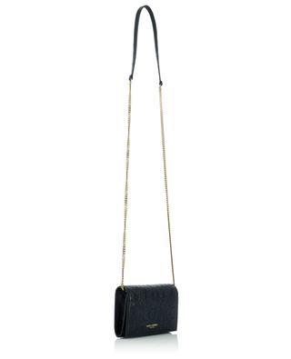 Kleine Brieftasche aus Leder in Kroko-Optik mit Kettengurt SAINT LAURENT PARIS