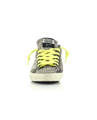 Niederige Sneakers aus Leo-Wildleder mit hellem Wildlederstern Superstar GOLDEN GOOSE