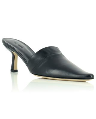 Pantoletten aus schwarzem plissiertem Leder Cynthia BY FAR