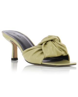 Mules en cuir jaune plissé Lana BY FAR