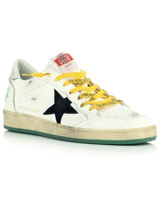 Weisse Sneakers aus Used-Look-Leder mit schwarzem Wildlederstern Ballstar GOLDEN GOOSE