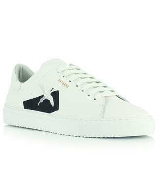 Sneakers aus Glattleder mit gesticktem Kolibri und schwarzem Einsatz Clean 90 AXEL ARIGATO