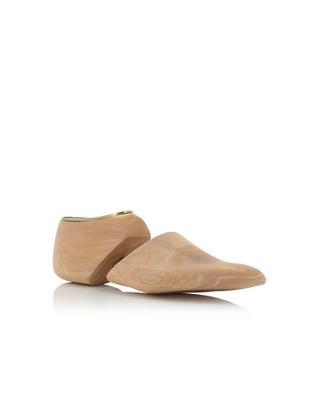 Cedar shoe forms SANTONI